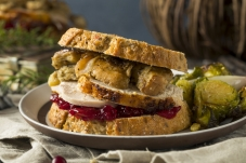 thanksgiving-christmas-holiday-leftovers-sandwich